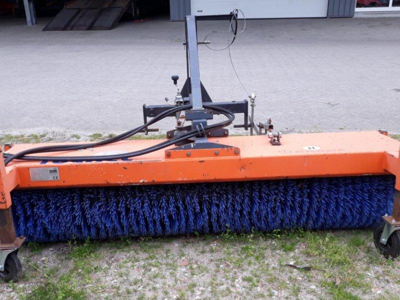 Kehrmaschine des Typs Tuchel EKM 230   HDS 520, Gebrauchtmaschine in Itterbeck (Bild 2)