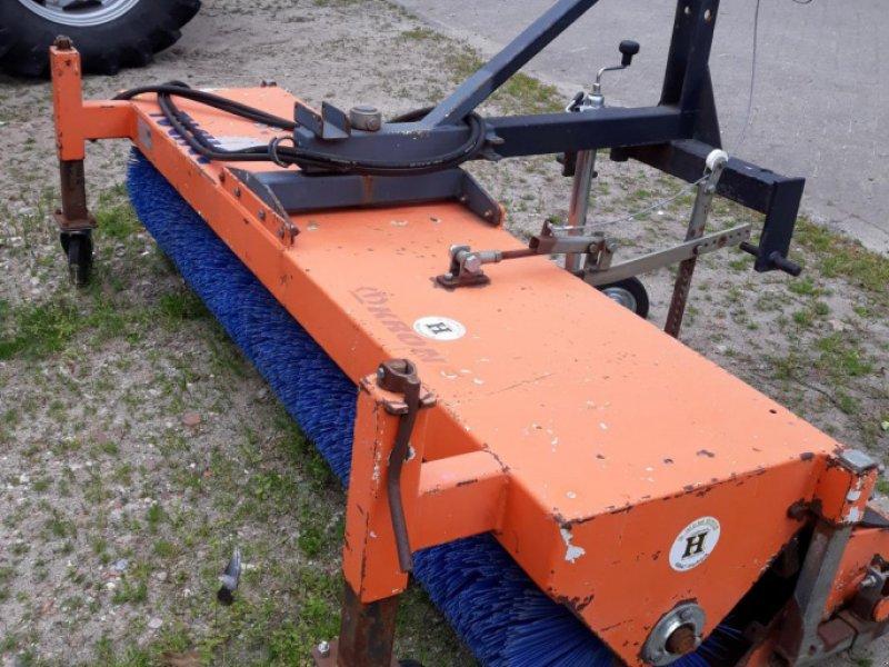 Kehrmaschine des Typs Tuchel EKM 230   HDS 520, Gebrauchtmaschine in Itterbeck (Bild 3)