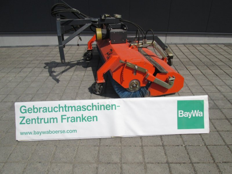 Kehrmaschine des Typs Tuchel Plus P1 200 560, Gebrauchtmaschine in Wülfershausen an der Saale (Bild 1)