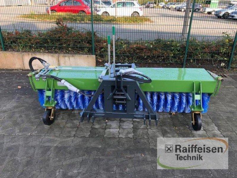 Kehrmaschine des Typs Tuchel Profi 660 Kehrmaschine, Ausstellungsmaschine in Husum (Bild 2)