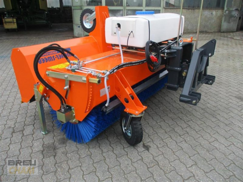 Kehrmaschine des Typs Tuchel Profi-Champ 280, Neumaschine in Cham (Bild 1)