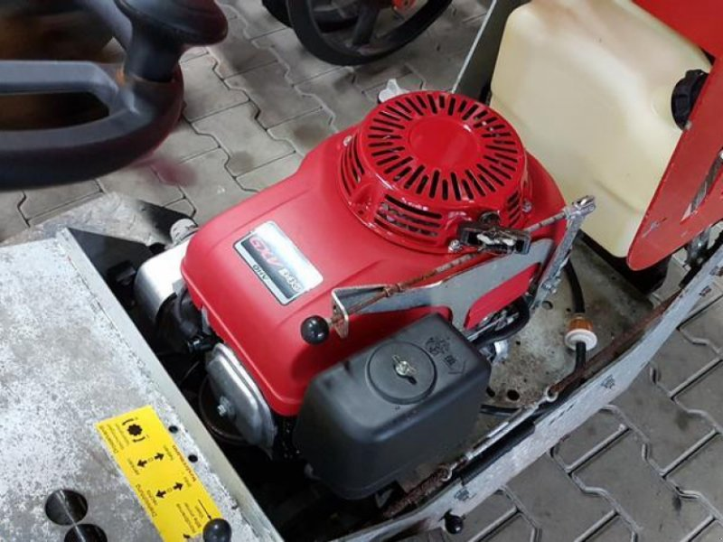 Kehrmaschine des Typs Westermann Cleanmeleon 2, Gebrauchtmaschine in Itterbeck (Bild 4)