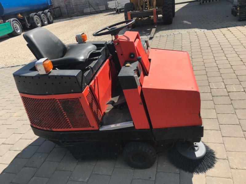 Kehrsaugmaschine tip Hako Jonas 1200, Gebrauchtmaschine in Höttingen (Poză 2)