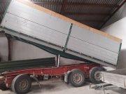 Schwarzmüller Dreiachskipper Billenőszekrényes gépkocsi