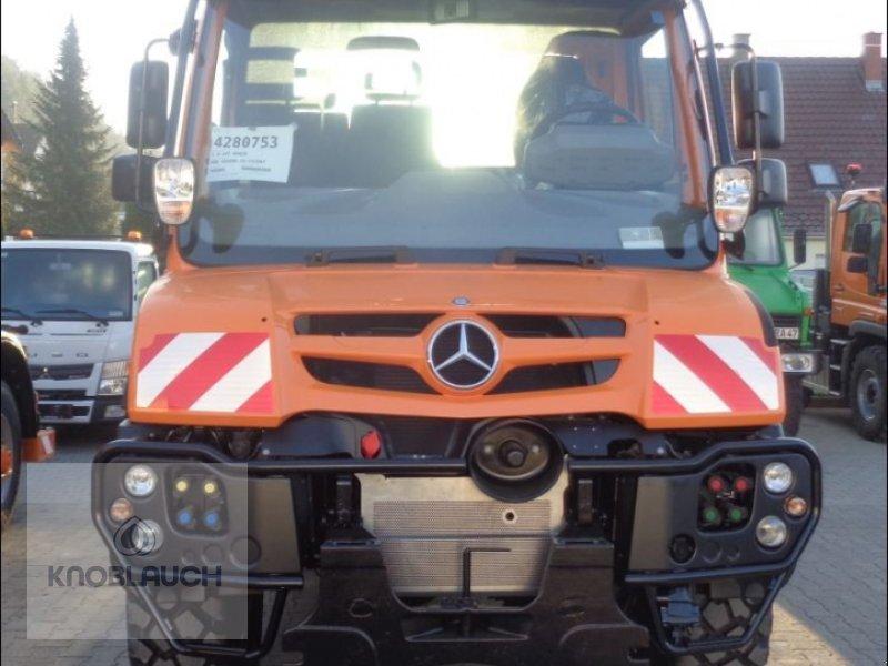 Kommunalfahrzeug des Typs Mercedes-Benz Unimog U 218, Neumaschine in Immendingen (Bild 2)