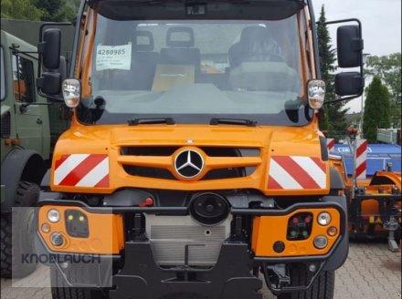 Kommunalfahrzeug des Typs Mercedes-Benz Unimog U 423, Neumaschine in Wangen (Bild 2)