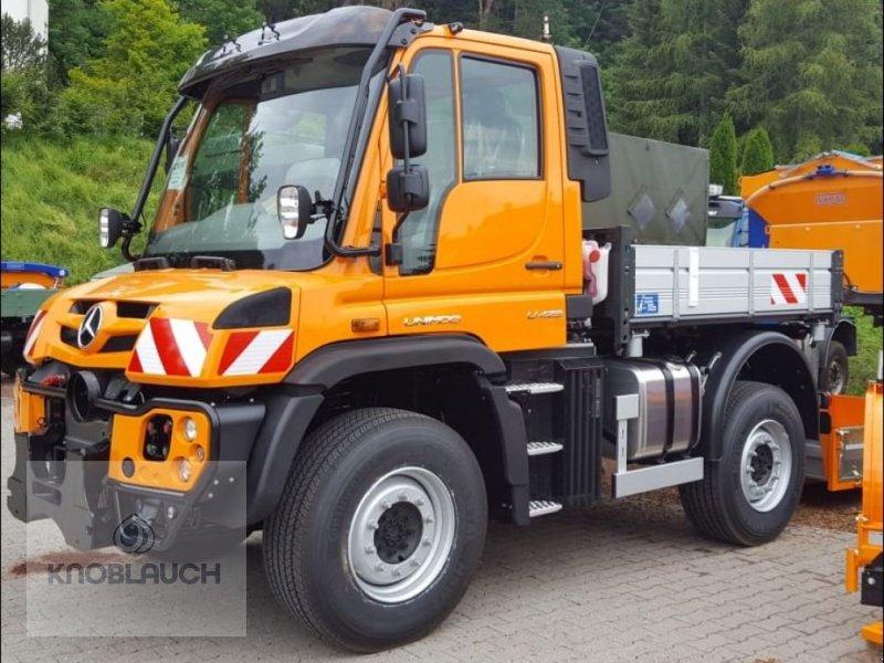 Kommunalfahrzeug des Typs Mercedes-Benz Unimog U 423, Neumaschine in Wangen (Bild 3)