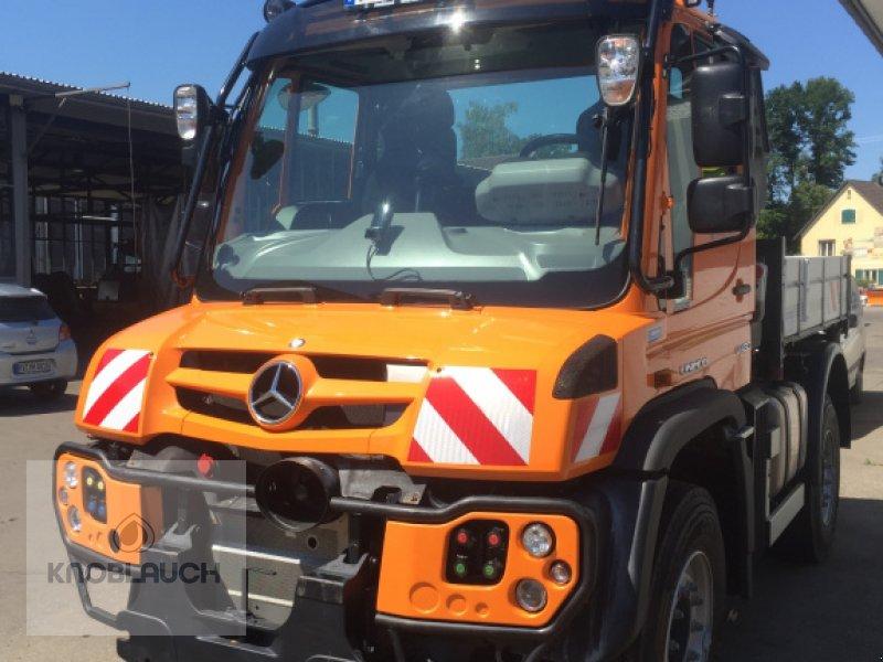 Kommunalfahrzeug des Typs Mercedes-Benz Unimog U 430, Neumaschine in Wangen (Bild 1)