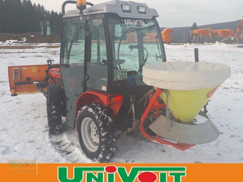 Kommunaltraktor des Typs Agromehanika AGT 835 TS Schneeschild und Streuer, Gebrauchtmaschine in Warmensteinach (Bild 8)