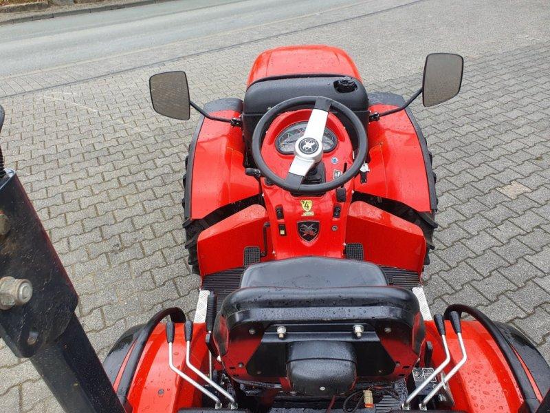 Kommunaltraktor des Typs Antonio Carraro TTR 4400 HST Wendesitz, Gebrauchtmaschine in Olpe (Bild 8)