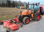 Fendt 206 V mit Wiedenmann Front-Sichelmäher und Wiedenmann Favorit XP Gras- und Laubsauger kommunális traktor