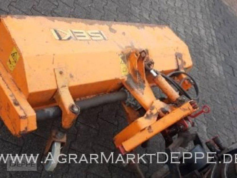 Kommunaltraktor des Typs Iseki 2115, Gebrauchtmaschine in Bad Lauterberg-Barbi (Bild 3)