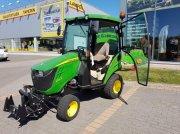 John Deere 1026R Трактор для коммунальных служб