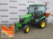 John Deere 2026R tractor rutier (comunal)