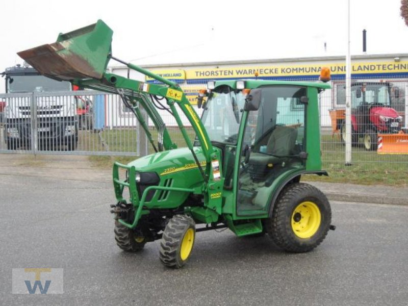 Kommunaltraktor of the type John Deere 2320, Gebrauchtmaschine in Gleschendorf (Picture 1)