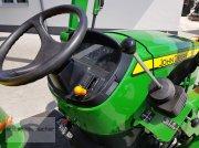 John Deere 3038R tractor rutier (comunal)