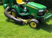 John Deere X 748 kommunális traktor