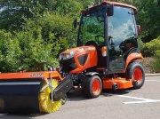 Kubota BX261 incl Frontkehrmaschine Трактор для коммунальных служб