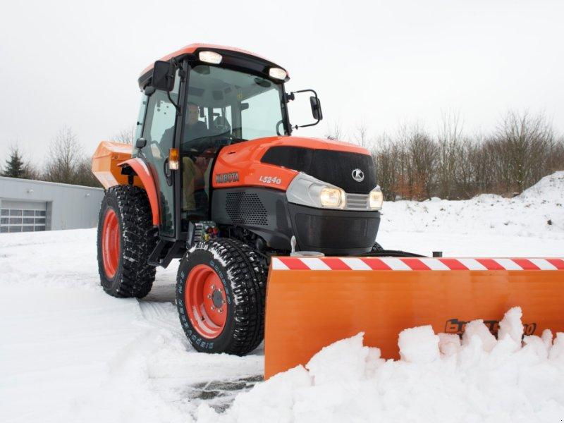 """Kommunaltraktor des Typs Kubota L2501 """"Winterdienstpaket"""" ab 0,0%, Neumaschine in Olpe (Bild 4)"""