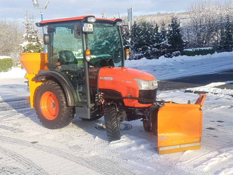 Kommunaltraktor типа Kubota ST401C Winterdienstpaket ab 0,0%, Neumaschine в Olpe (Фотография 1)