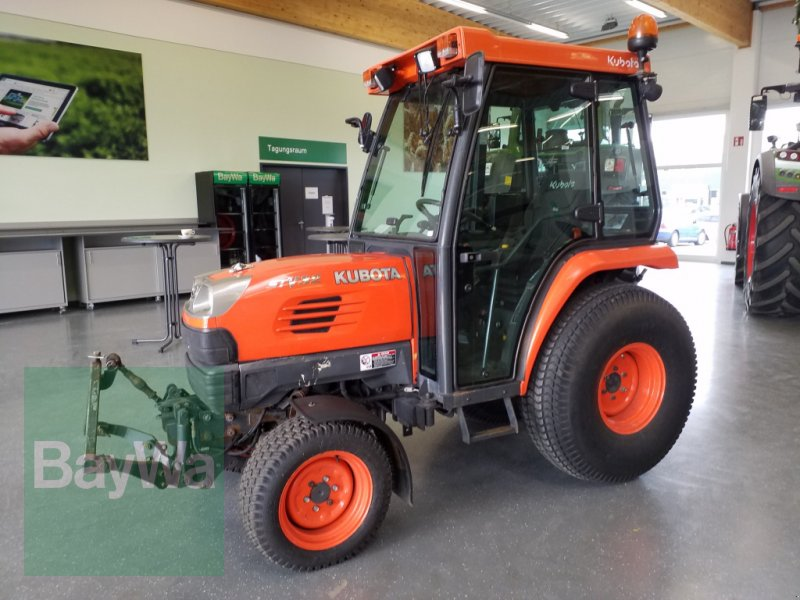 Kommunaltraktor of the type Kubota STV 32, Gebrauchtmaschine in Bamberg (Picture 1)
