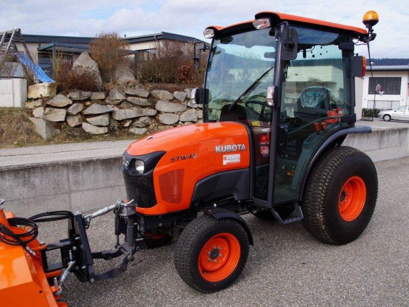 Kommunaltraktor des Typs Kubota STW 40 Schlepper Traktor Iseki John Deere STV, Vorführmaschine in Aigen-Schlägl (Bild 1)