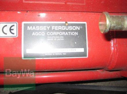 Kommunaltraktor des Typs Massey Ferguson LN 030 TRIPLE BLADE MÄHWERK, Neumaschine in Obertraubling (Bild 4)
