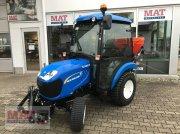 New Holland BOOMER 25 tractor rutier (comunal)