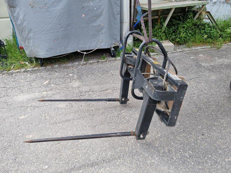 Kompaktlader типа Alö Flexibal FL Rundballengabel, Gebrauchtmaschine в Chur (Фотография 1)