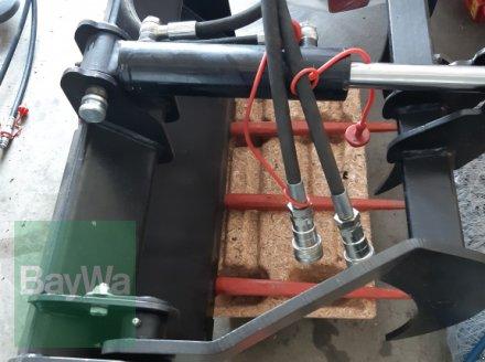 Kompaktlader des Typs GiANT Greifzange, Neumaschine in Monheim (Bild 1)