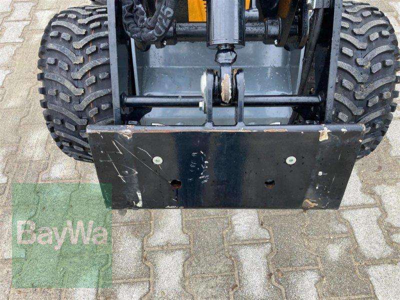 Kompaktlader des Typs GiANT Skid Steer SK 201D, Gebrauchtmaschine in Schwäbisch Gmünd - Herlikofen (Bild 5)