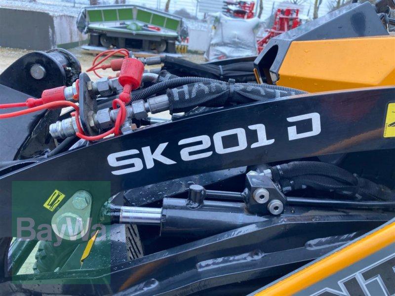 Kompaktlader des Typs GiANT Skid Steer SK 201D, Gebrauchtmaschine in Schwäbisch Gmünd - Herlikofen (Bild 7)