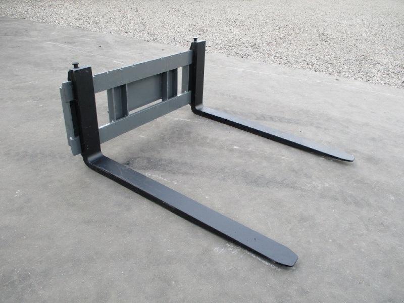 Kompaktlader des Typs Multione Pallegafler 2500kg, Gebrauchtmaschine in Lintrup (Bild 1)