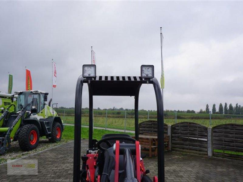 Kompaktlader des Typs Thaler 2230 S, Neumaschine in Töging am Inn (Bild 6)