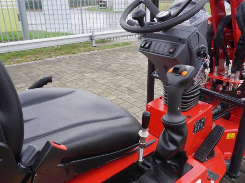 Kompaktlader des Typs Thaler 2230 S, Neumaschine in Grabenstätt-Erlstätt (Bild 5)