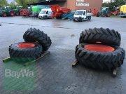 BKT 420/70 R24 + 480/70 R38 Komplettradsatz