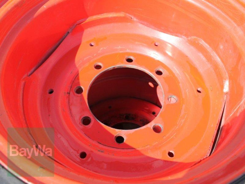 Komplettradsatz des Typs BKT 420/70 R24, Gebrauchtmaschine in Straubing (Bild 5)
