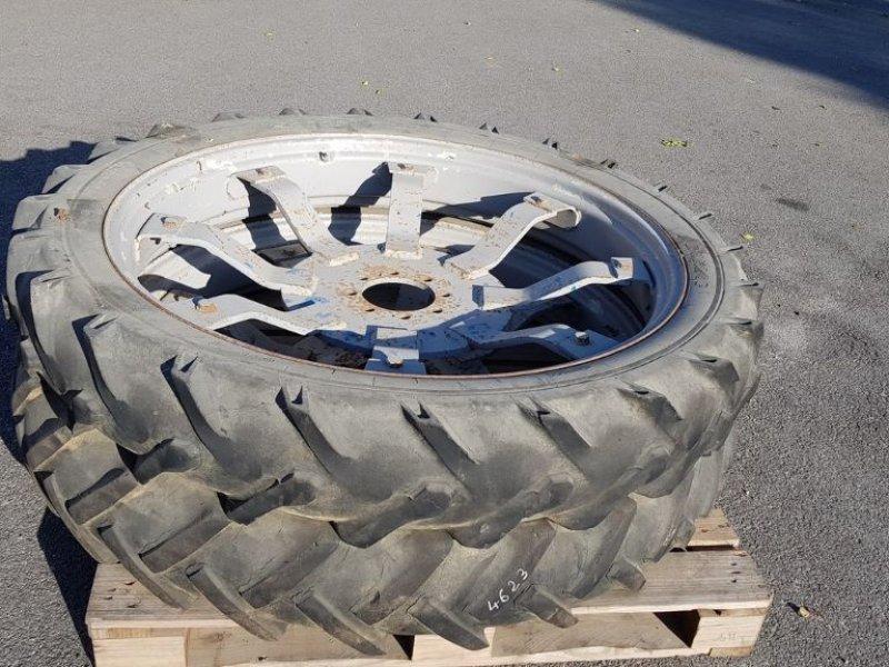 Komplettradsatz a típus Dunlop 9.5R44, Gebrauchtmaschine ekkor: CHAILLOUÉ (Kép 1)