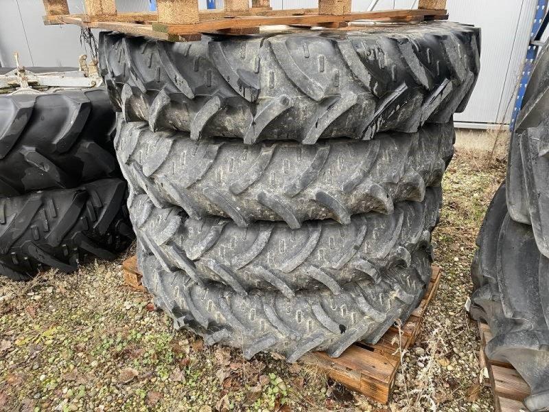 Komplettradsatz типа Kleber 420 85 R30 sowie 11,2 R 38 für JCB, Gebrauchtmaschine в Schutterzell (Фотография 1)