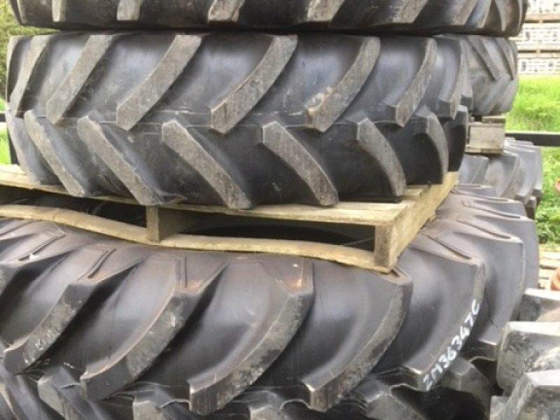 Komplettradsatz типа Massey Ferguson Wheels & Tyres, Gebrauchtmaschine в Grantham (Фотография 1)