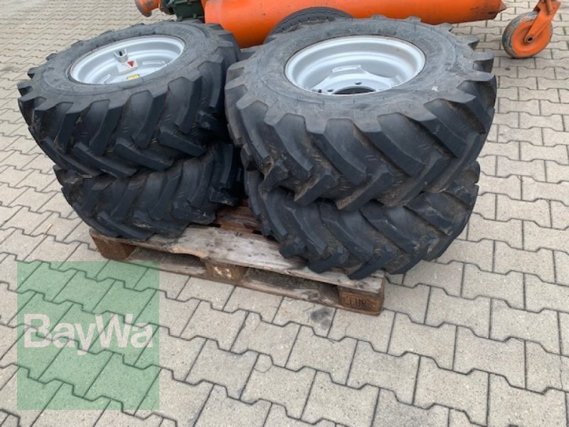 Komplettradsatz des Typs Mitas 11.5/80 - 15.3, Gebrauchtmaschine in Fürth (Bild 1)