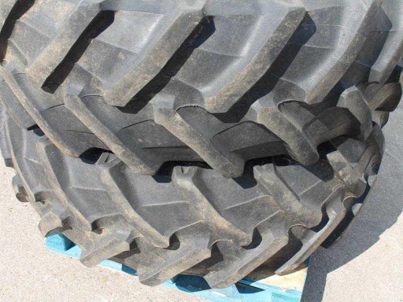 Komplettradsatz des Typs Pirelli 480/70 R34, Gebrauchtmaschine in Straubing (Bild 3)