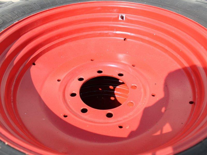 Komplettradsatz des Typs Pirelli 480/70 R34, Gebrauchtmaschine in Straubing (Bild 5)
