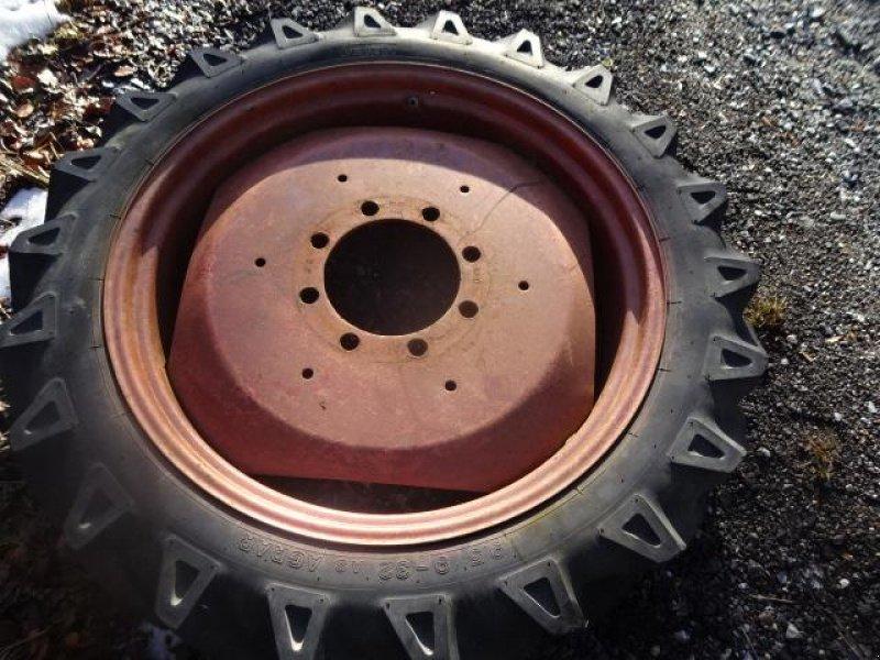 Komplettradsatz des Typs Sonstige 9,5 x 32 Rad - 8 Lochfelge, Gebrauchtmaschine in Neureichenau (Bild 1)