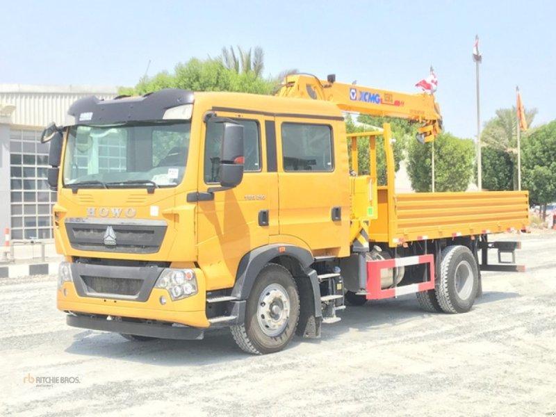 Kran типа Sinotruk ZZ1167K501GE5, Gebrauchtmaschine в Jebel Ali Free Zone (Фотография 1)