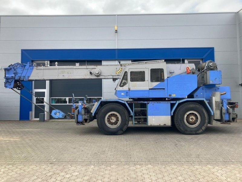 Kran типа Tadano TR300E-2, Gebrauchtmaschine в WIJCHEN (Фотография 1)