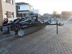 Kreiselegge des Typs Agro Tom XL 6.0 m. bugseret v Rødekro