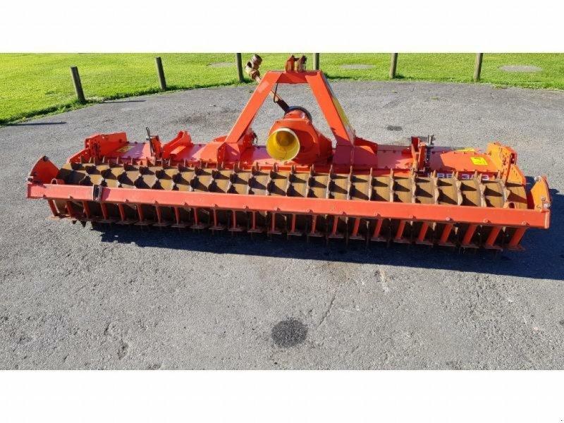 Kreiselegge типа Kuhn HRB303D, Gebrauchtmaschine в Pencran (Фотография 1)