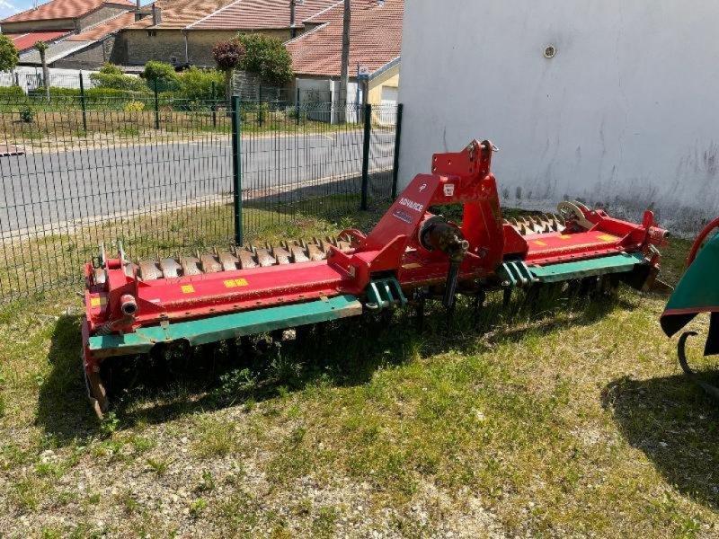 Kreiselegge des Typs Kverneland NG.401.H ADVAN, Gebrauchtmaschine in Chauvoncourt (Bild 1)
