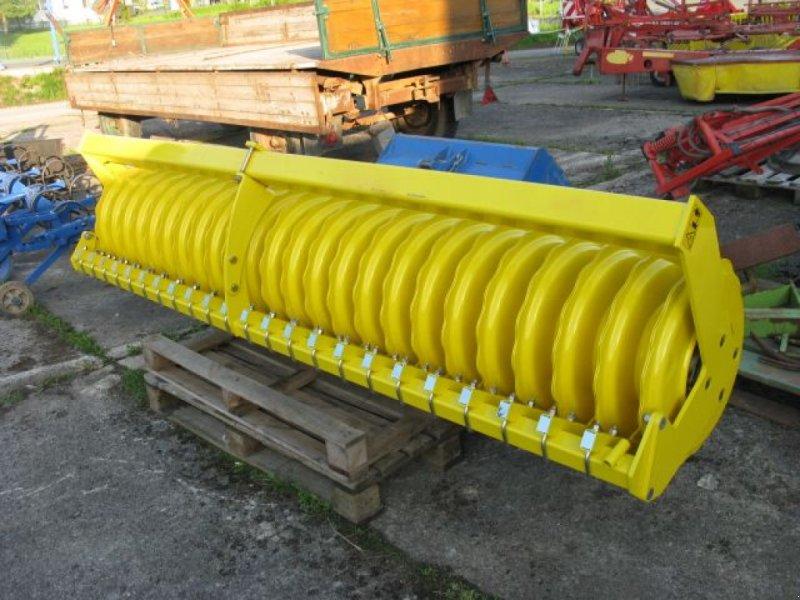 Kreiselegge des Typs Pöttinger Schneidpackerwalze 500 / 3000, Neumaschine in Nieheim Kreis Höxter (Bild 1)